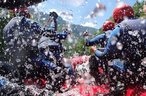 Hétvégi vadvízi rafting a Soca-folyón, Szlovéniában