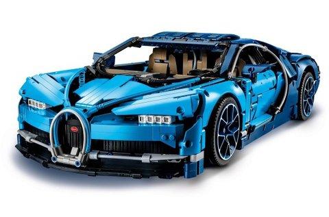 LEGO Technic Bugatti Chiron autómodell