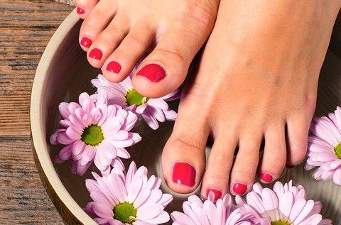 Pedikűr paraffinos lábápolással