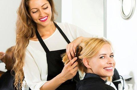 Hajfestés trendi vágással, rövid hajra