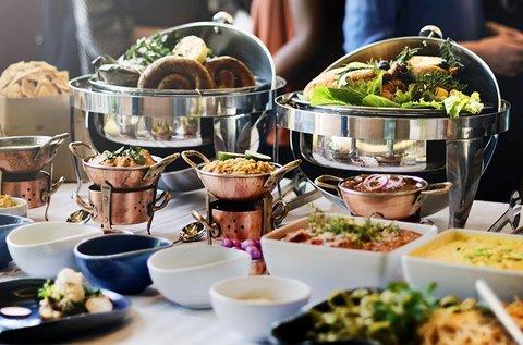 Vasárnapi svédasztalos ebéd Szigetszentmártonon