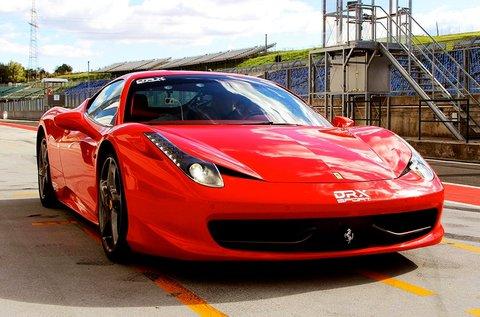 Ferrari 458 Italia 4.5 V8 élményvezetés Mogyoródon