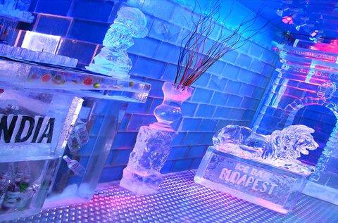 Icebar belépő koktéllal és forralt borral 1 főnek