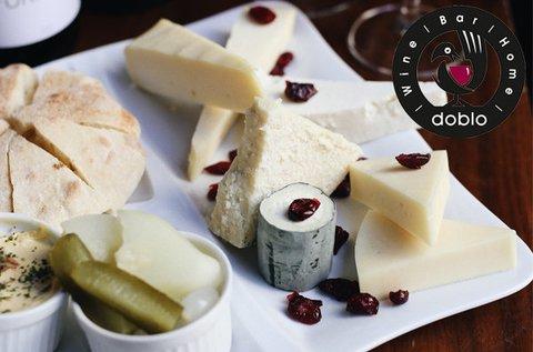 Páros 5 tételes borkóstoló hús- és sajttállal