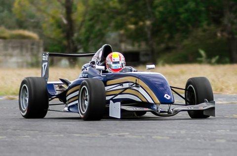 8 körös Forma Renault versenyautó vezetés