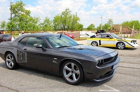 Élményvezetés és Race Taxi választható autóval