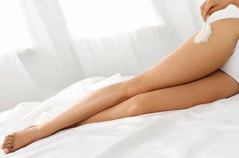 Női gyantázás láb, hónalj és intim területen