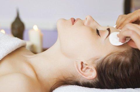 Tisztító arckezelés gőzöléssel problémás bőrre