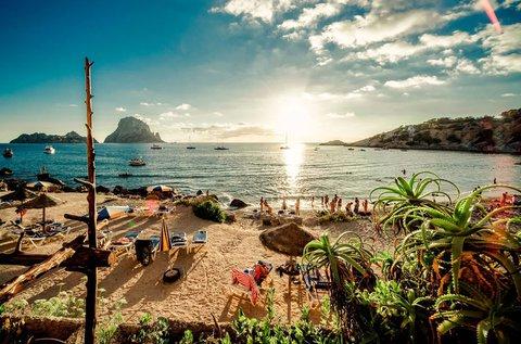 1 hetes vakáció a napsütéses Ibizán repülővel