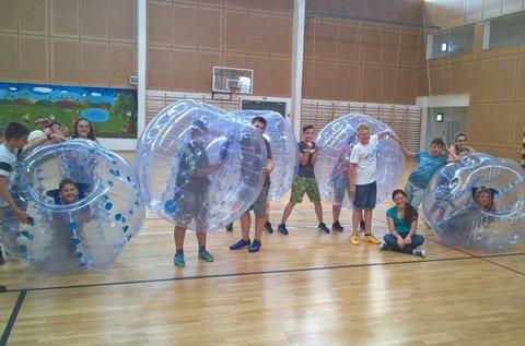 Buborékfocizz barátaiddal 1 órán át!