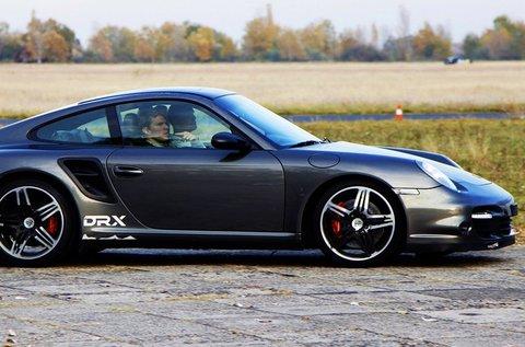 Taposs bele Porsche 911 Turbóval 2 körön át!