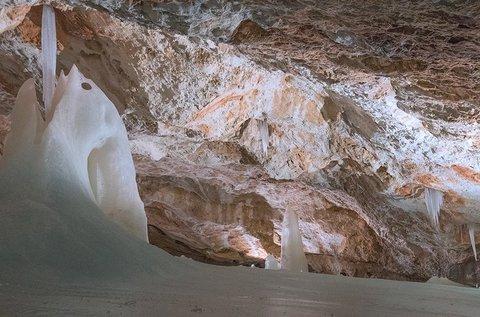 Buszos utazás a Dobsinai jégbarlanghoz