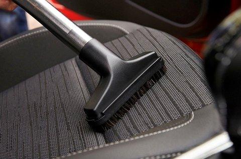 Üléskárpit tisztítás külső-belső takarítással