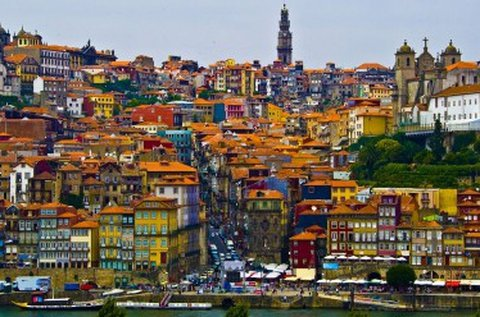 Júliusi körutazás repülővel a mesés Portugáliában