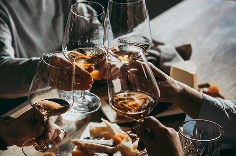 Borkurzus és borkóstoló 6 féle borral 2 főnek