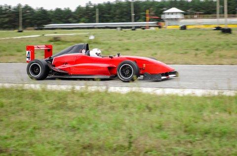 Formula Renault 2.0 élményvezetés 3 körön át