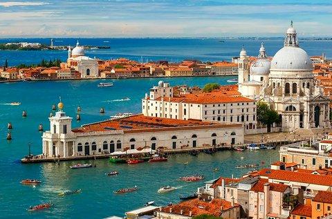 Buszos utazás 1 főnek a velencei hajófelvonulásra