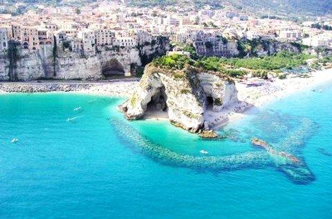 8 napos júniusi nyaralás Calabria tengerpartján