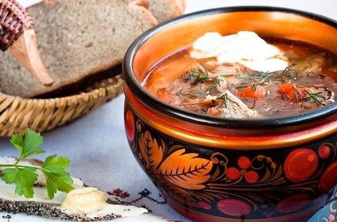 Főzőkurzus orosz nemzeti ételekkel, vodkázással