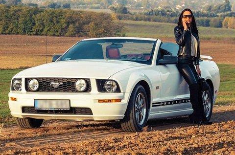 1 napos Ford Mustang Cabrio bérlés