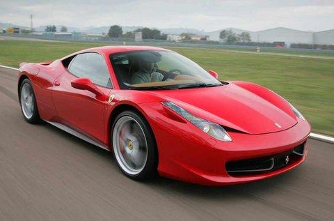 Ferrari 458 Italia közúti autóvezetés