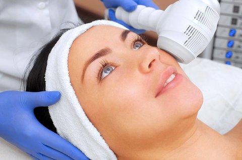 HIFU fókuszált ultrahangos kezelés teljes arcon