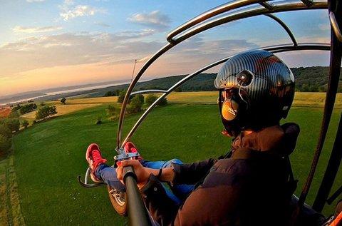 30 perces motoros siklóernyős repülés 1 főnek