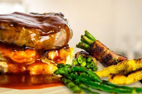 Ízletes steak menü grillezett zöldségekkel 2 főnek