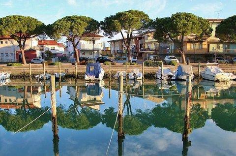 Májusi lakókocsis nyaralás akár 7 főnek Gradóban