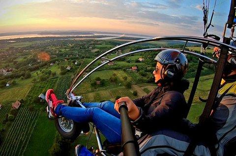 10 perces motoros siklóernyős élményrepülés