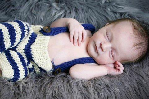 Újszülött fotózás 50 db nyers, 15 db retusált képpel