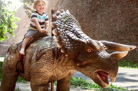 Buszos utazás a Pozsonyi Állatkertbe és Dínóparkba