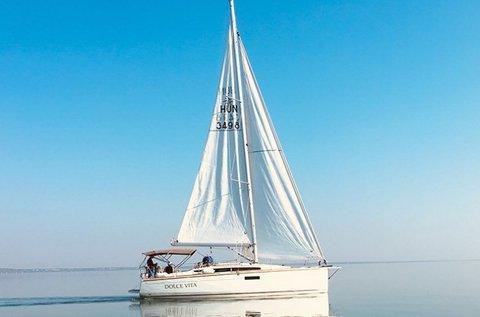 Luxusvitorlázás a Balatonon 10 főnek kapitánnyal