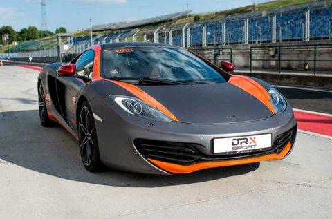 Taposs bele egy McLaren MP4-12C sportkocsival!